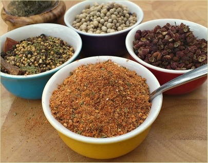 picture of a homemade curry powder and other spices